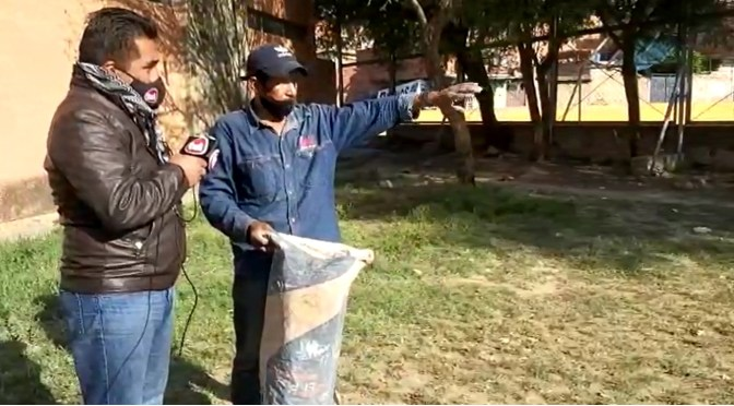 Vecino del barrio San Marcos es sorprendido echando escombros en la quebrada