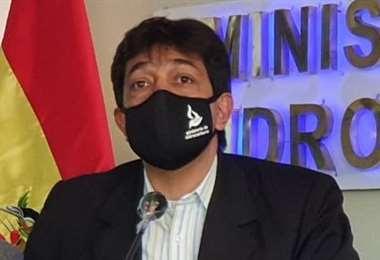 Amplían investigación contra el exministro de Hidrocarburos por presunto uso indebido de influencias