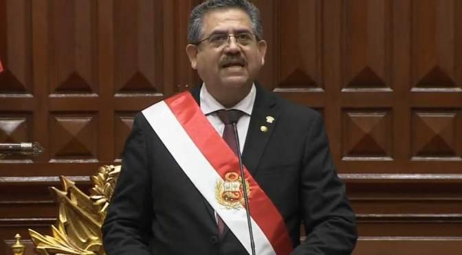 Manuel Merino jura como Presidente de Perú, tras destitución de Vizcarra