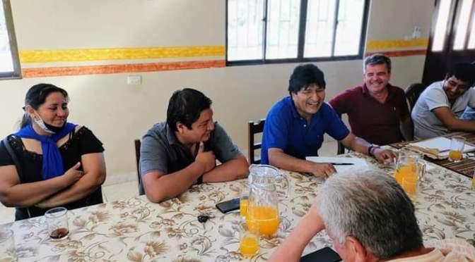 Visita de Morales causa molestia en militantes tras reunión con Brú