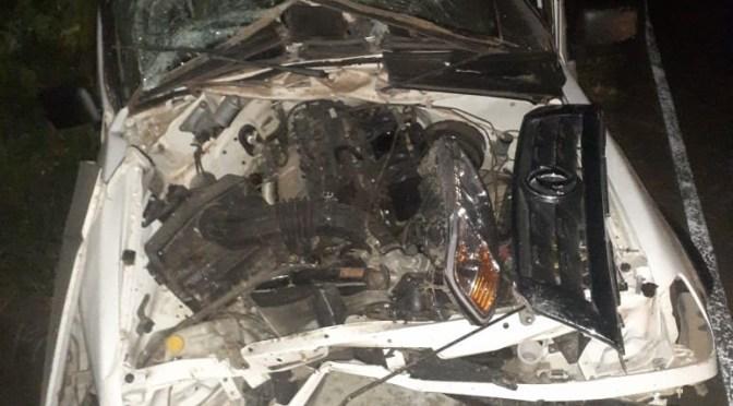 Una vagoneta choca con un muro de alcantarilla, murió el conductor