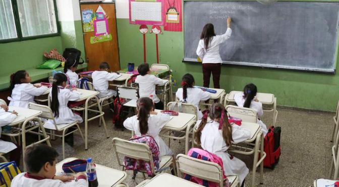 Rosas: El Ministerio de Salud y Educación sin respuestas claras ante la pandemia