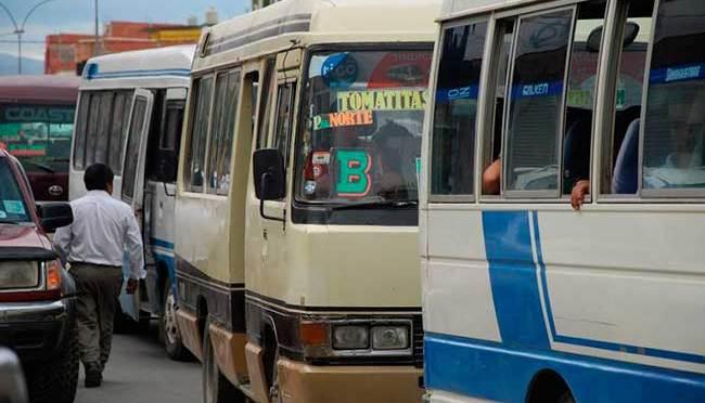 Transporte tarijeño decide acatar paro éste martes para exigir que se amplíe diferimiento