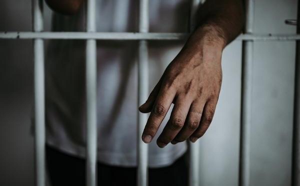 Aprehenden a un sujeto de 43 años por violar a su hijastra de 10