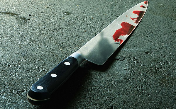 Una mujer denuncia a su ex concubino por intento de violación y este se hiere con un cuchillo