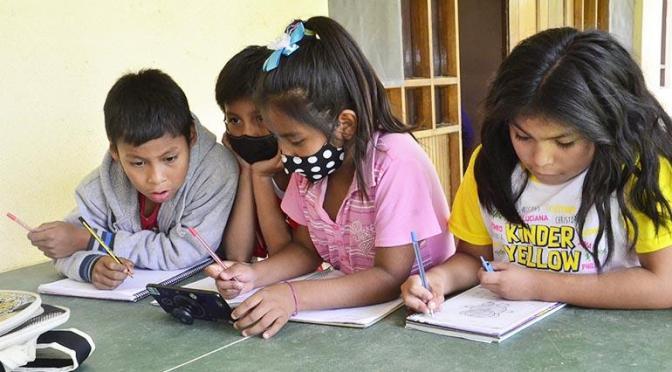 Más del 60% de estudiantes no tiene celular o computadora para pasar clases virtuales
