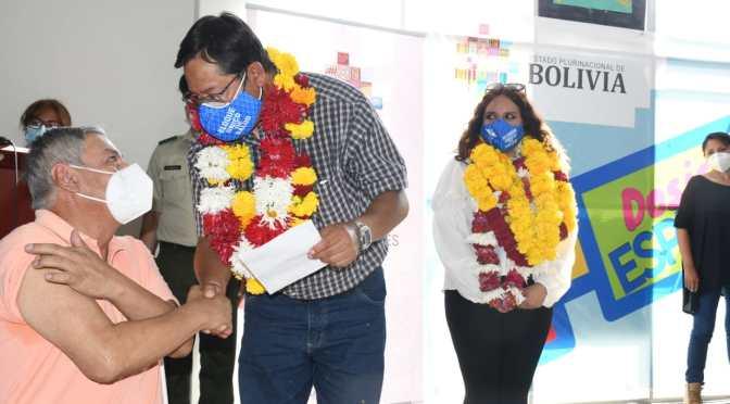 Inicia en Tarija la vacunación contra la covid 19 a personas con enfermedades crónicas