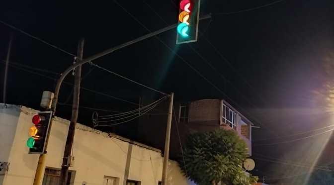 """El 31% de los semáforos de Yacuiba no funciona por cortes de energía y """"bajones"""""""