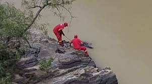Encuentran el tercer cadáver en el río Bermejo,  se trata de un adulto mayor