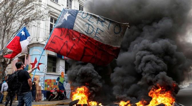 «¡Renuncia, Piñera!»: el grito que recorre Chile en una jornada de huelga general en medio de la pandemia