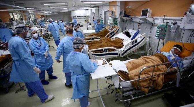 La inacción y la desinformación del Gobierno de Bolsonaro agravan la pandemia en Brasil