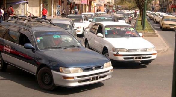 Juntas vecinales piden a nuevas autoridades hacer cumplir tarifas en el transporte público