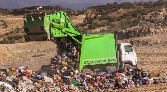 Ingenieros trabajan para subsanar el tratamiento de basura en Tarija