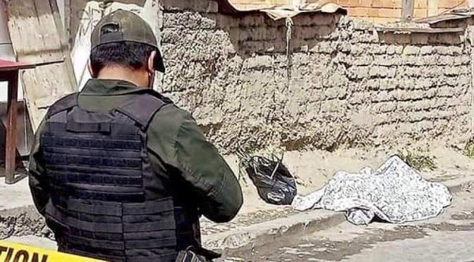 Motochoros matan a tiros a una joven librecambista