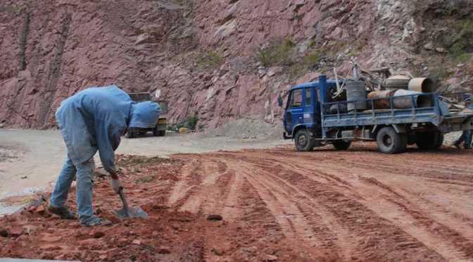 Autoridades de Villa Montes analizan con el gobierno situación del tramo Isiri-La Central