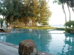 infinity pool at the Sheraton Krabi
