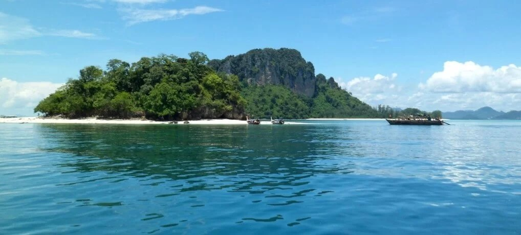 Day 3 – More Island Hopping