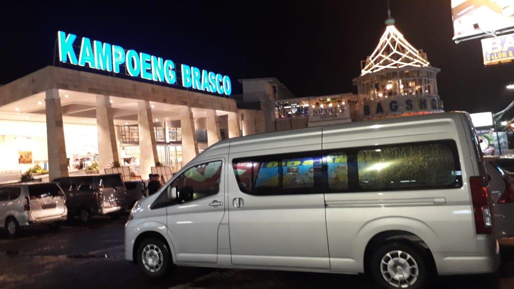 Perjalanan Bisnis Aman dengan Sewa Hiace Jakarta