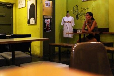 manu coffee 大名店