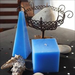 Světle modrý jehlan, modré svíčky, vonná svíčka, light blue candles, scented candles 01