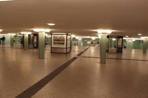 U-Bahnhof Alexanderplatz - Zugang zur U8 2009