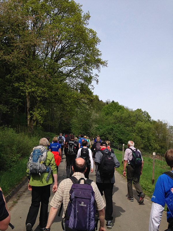 An dieser Stelle steht ein Bild mit dem Titel: Wieviele der insgesamt 160 Wandersüchtigen sind vor mir (Foto: Hans-Joachim Schneider)