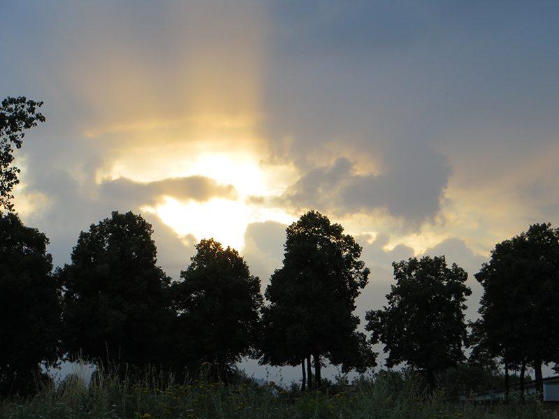 Hier steht ein Bild mit dem Titel: Nun stelle man sich vor, auch dieser Horizont sei mit Windrädern verstellt (Foto: Hans-Joachim Schneider)