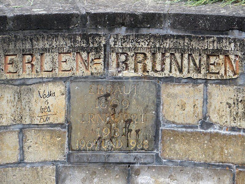 Brunnensteine_Erlen-Brunnen.