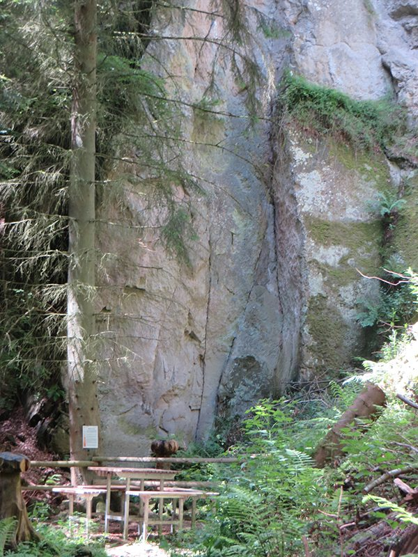Märchenplatz einer märchenhaften Tour mitten im Wald: die Marx-Laye