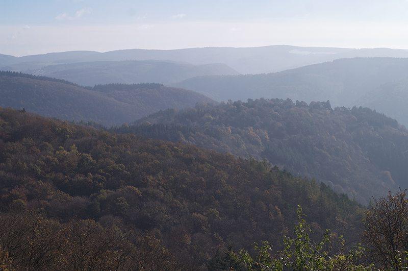 Hier steht ein Bild mit dem Titel: Panorama vom Steinerberg, Variation (Foto: Hans-Joachim Schneider)