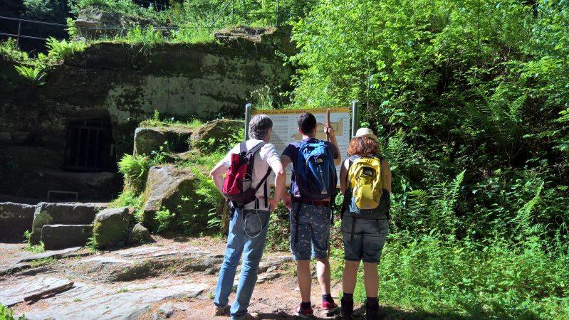 Der Römerpfad führt auch an den Pützlöchern vorbei, einem römischen Bergwerk, das aber noch bi s vor hundert Jahren ausgebeutet wurde.