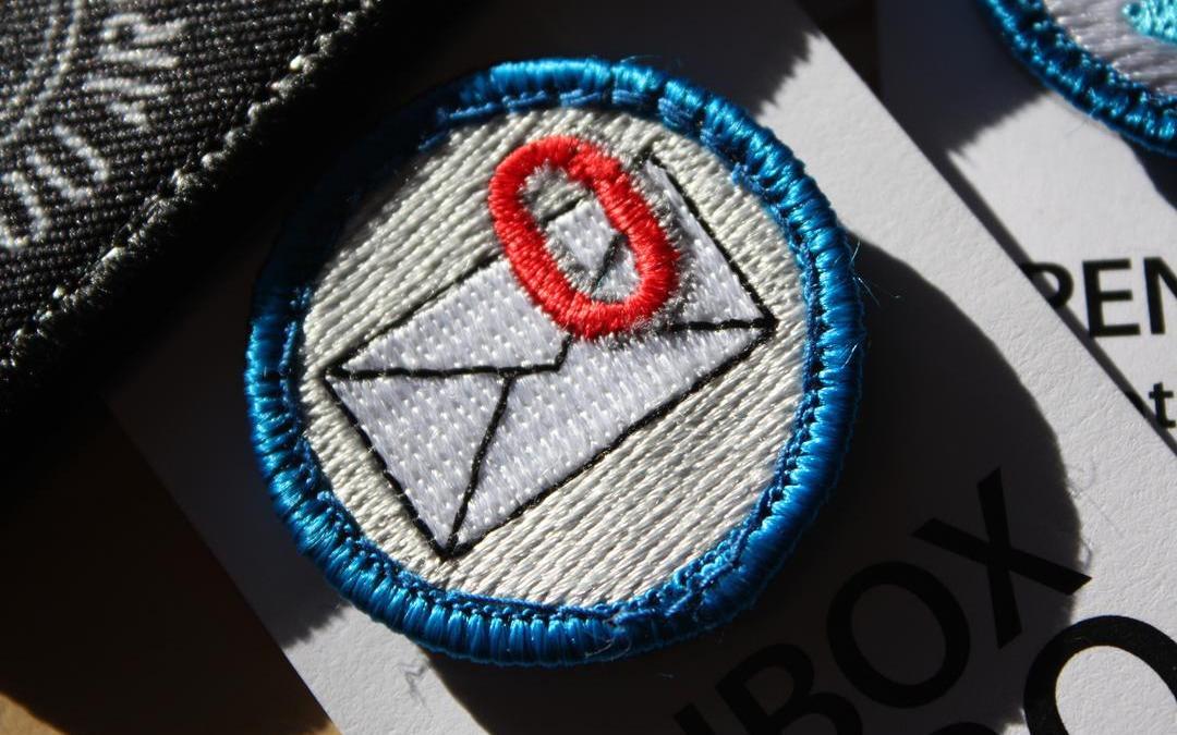 Visa mig ett e-postprogram där inkorgen heter Arkiv