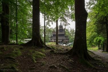StavKirkeBetweenTrees