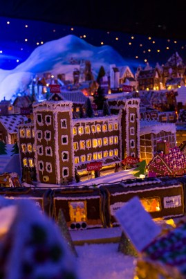 Gingerbread_Town17