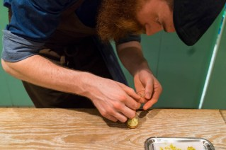 Finishing touches to the petit four