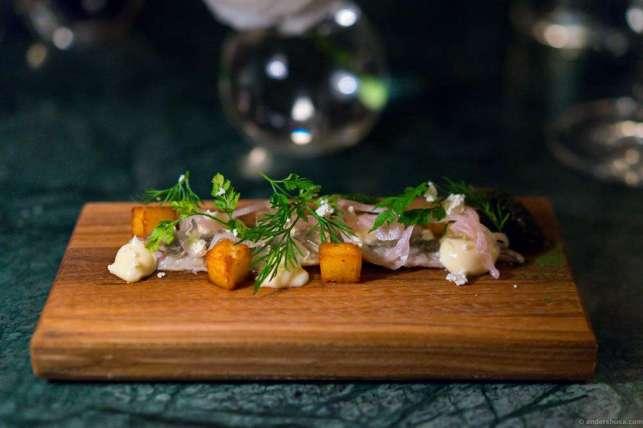 Hot-smoked herring, aquavit, sturgeon caviar & quark fresh cheese