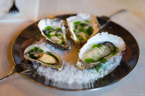 Fine de Claire and Dutch Gigas oysters with parsley & elderflower vinegar