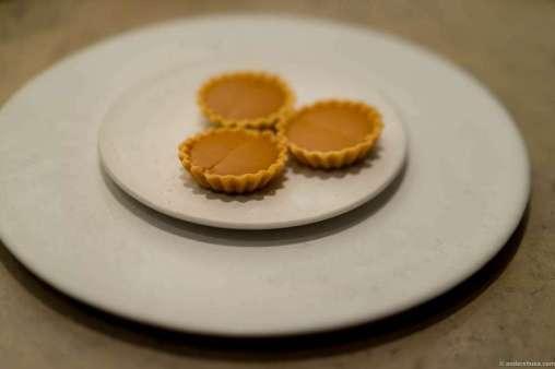 Norwegian brown cheese tartelettes