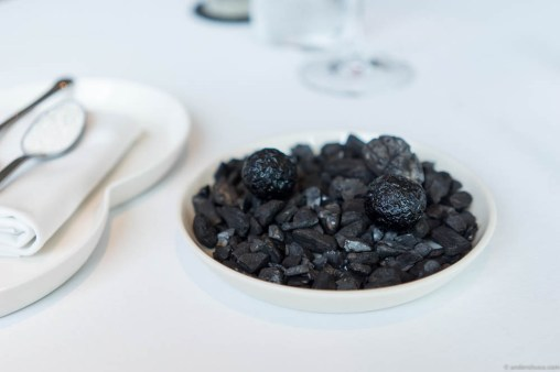 Charred potato in aroma from bark & sheep's butter