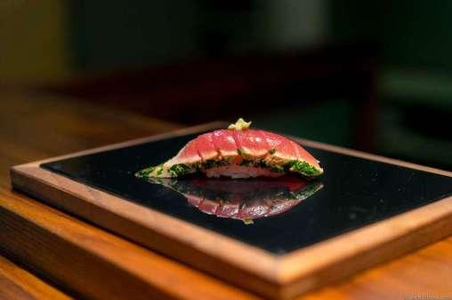 Tuna tataki with coriander