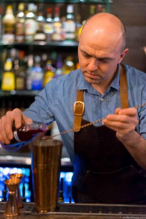 Head bartender Gunnar Zahl