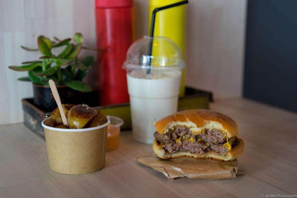 Charcoal-grilled potatoes, milkshake & cheeseburger