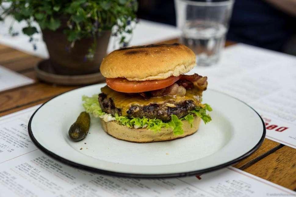 Cheddar & Bacon at Døgnvill – NOK 159