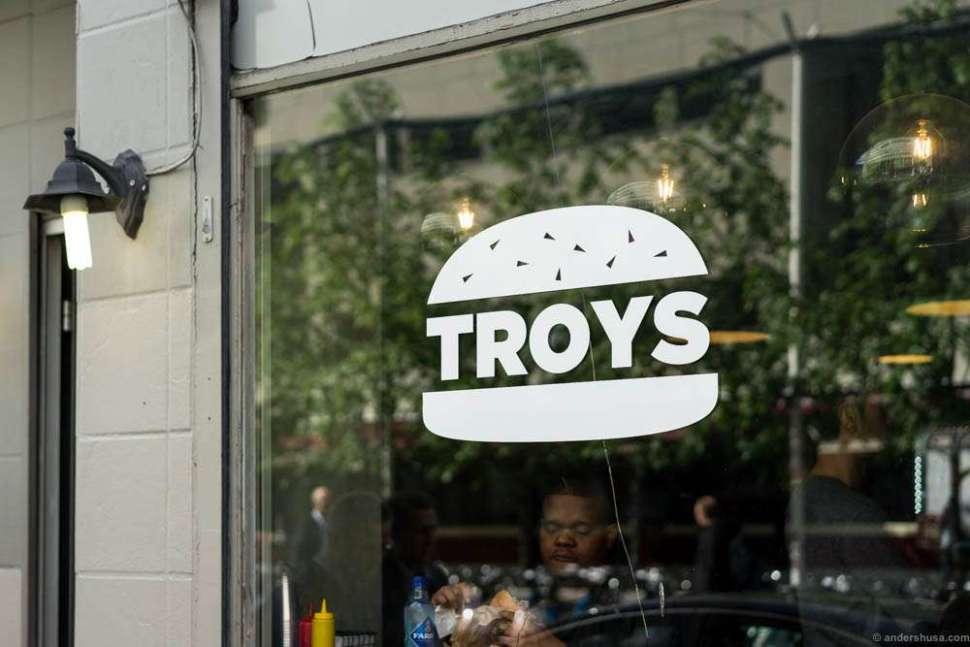 Troys is Oslo's newest burger bar.