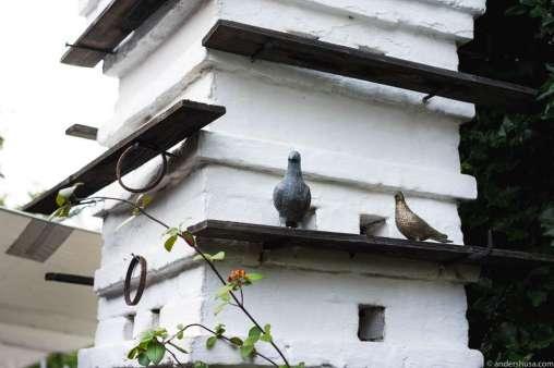 Taubenkobel = pigeon house