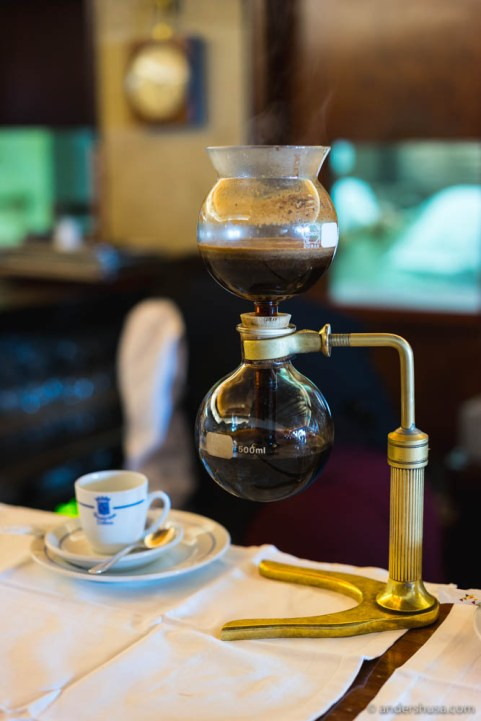 Siphon brew ready to serve