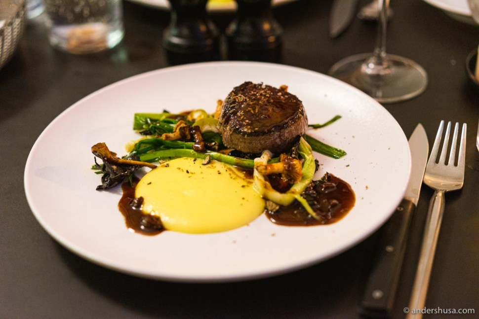 Beef tenderloin with new leeks, potato puré, sauce with truffle & morels.