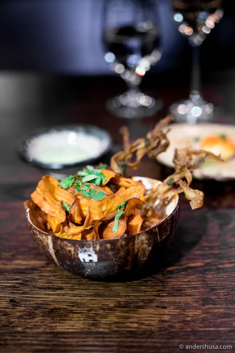 Crispy onion and carrot chips
