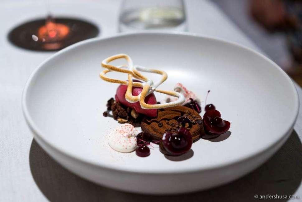 Schwarzwälder Kirschtorte – chocolate, cherry & meringue