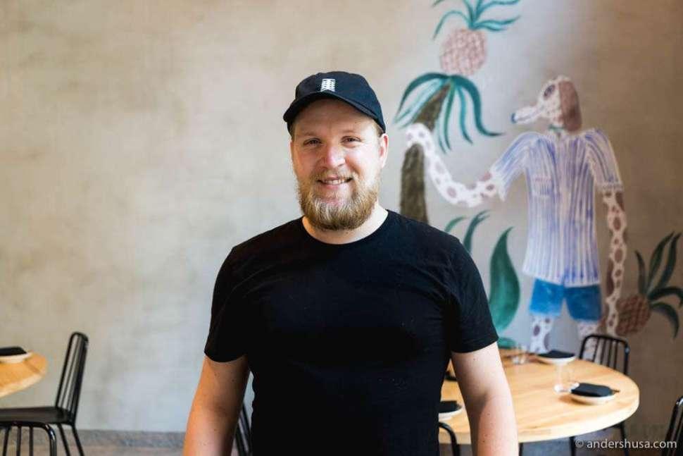 Head sommelier Petter Svanæs